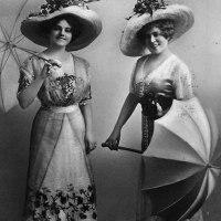 "Emma Meissner and Rosa Grünberg dance the ""Boston"" in 1909 Sweden"